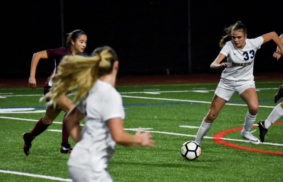 Girls Soccer Maintains Hot Streak, Beats Bellevue 1-0