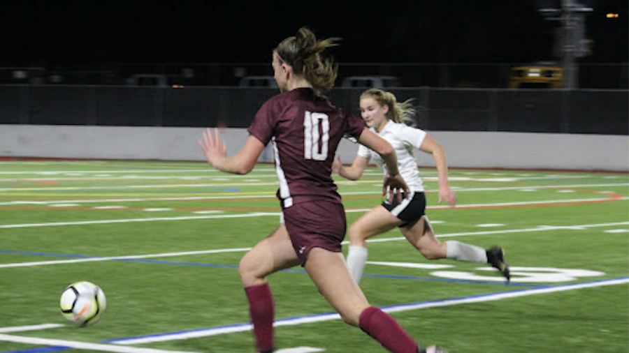Girls Soccer Falls to 1-1 After Loss to Sammamish