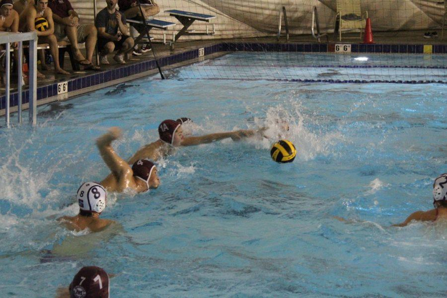 Mercer Island's goalie attempts to reach for the ball. Photo by Braeden Nett