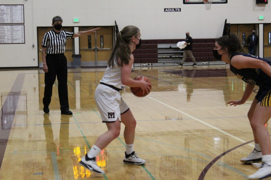 Mercer Island Girls Basketball Defeats Bellevue in Rivalry Game