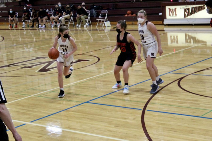 Sammamish Ends Mercer Island Girls Basketball Win Streak