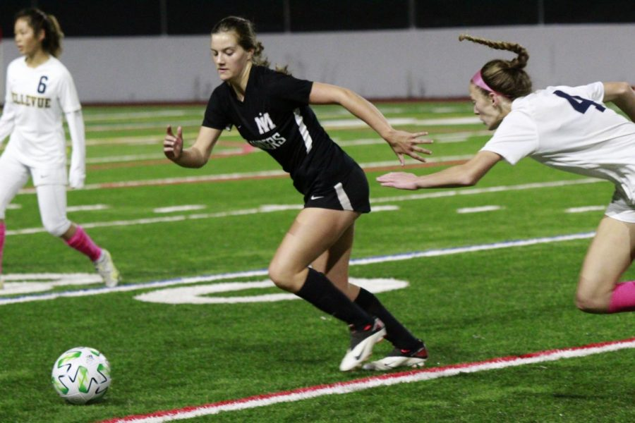 MIHS Girls Soccer Triumphs Over Bellevue in Rivalry Game